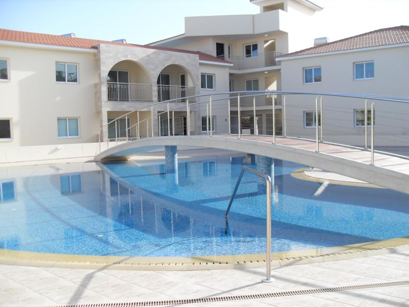 Fantastic Great Kings Complex, Ground Floor Apartment with a large Swimming Pool and kids pool.