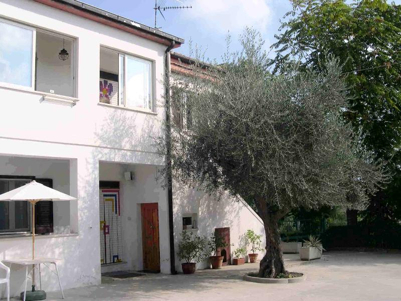 Casa Bianca holiday home, holiday rental in Castilenti