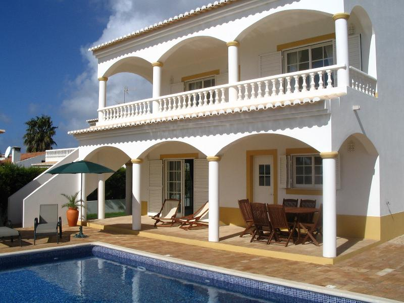 No. 42, holiday rental in Almadena