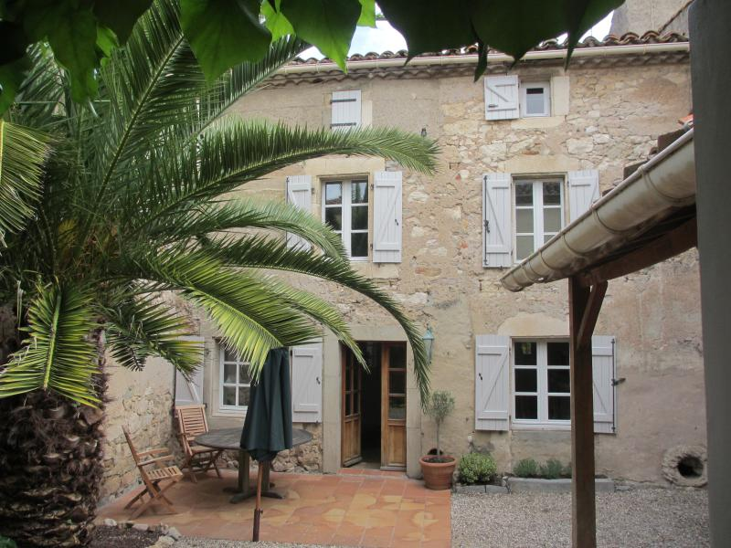 17 Rue Des Faubourgs, holiday rental in Lastours