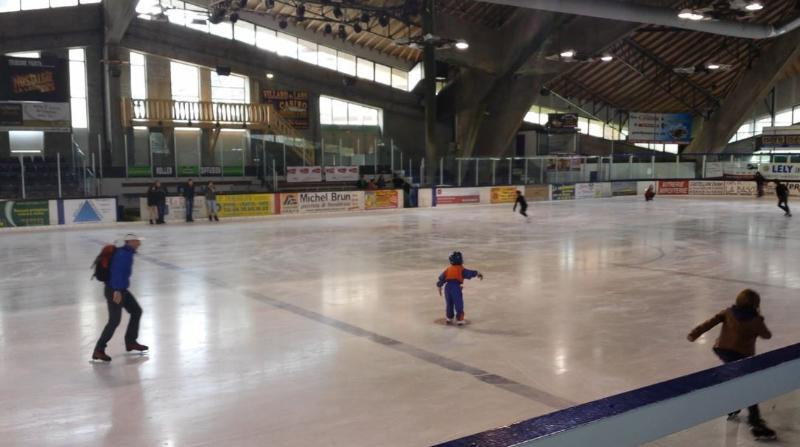ice-skating in Villard de Lans- also bowling, swimming, fitness, just a minute away