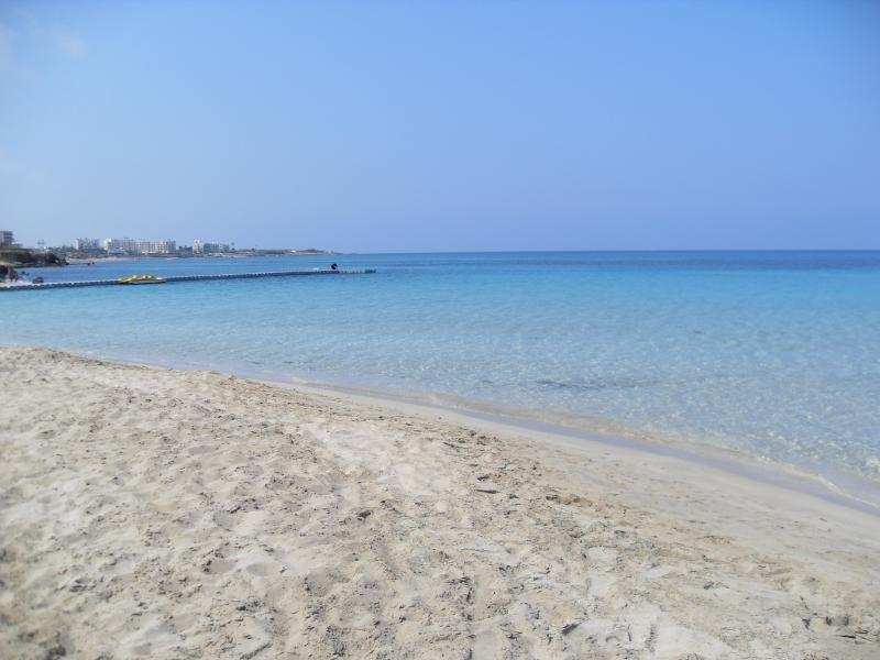 Fig Tree Bay Famous for its soft sands and shallow water only 10 mins away