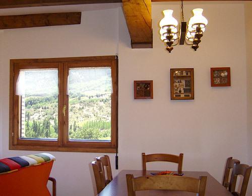 Comedor, las vistas desde las ventanas son como auténticos cuadros de la naturaleza