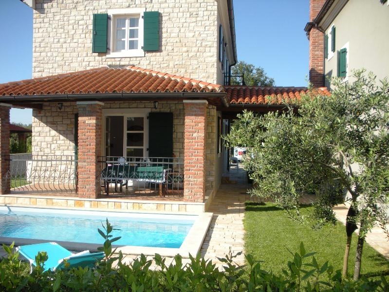 Villa Petra with swimming pool, vacation rental in Porec