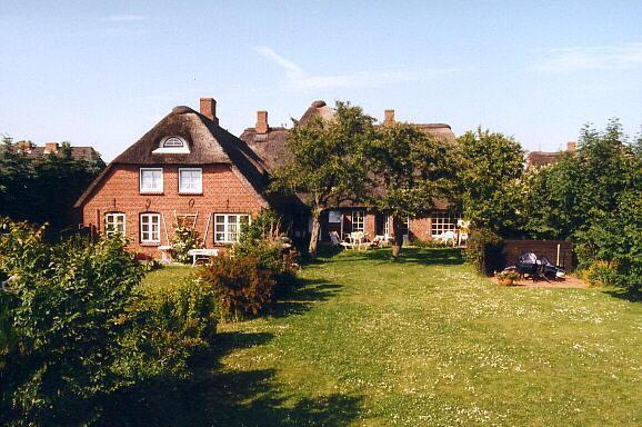 Friesenhof Oluf mit dem großen Garten