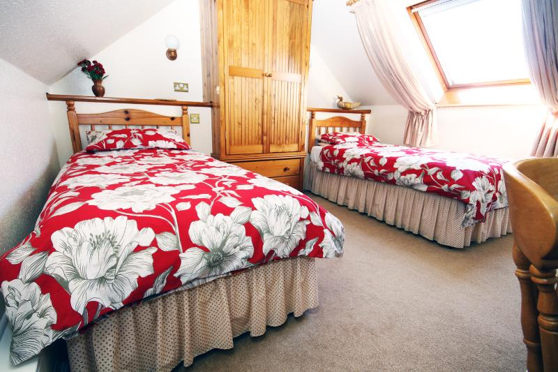 Pretty twin bedroom