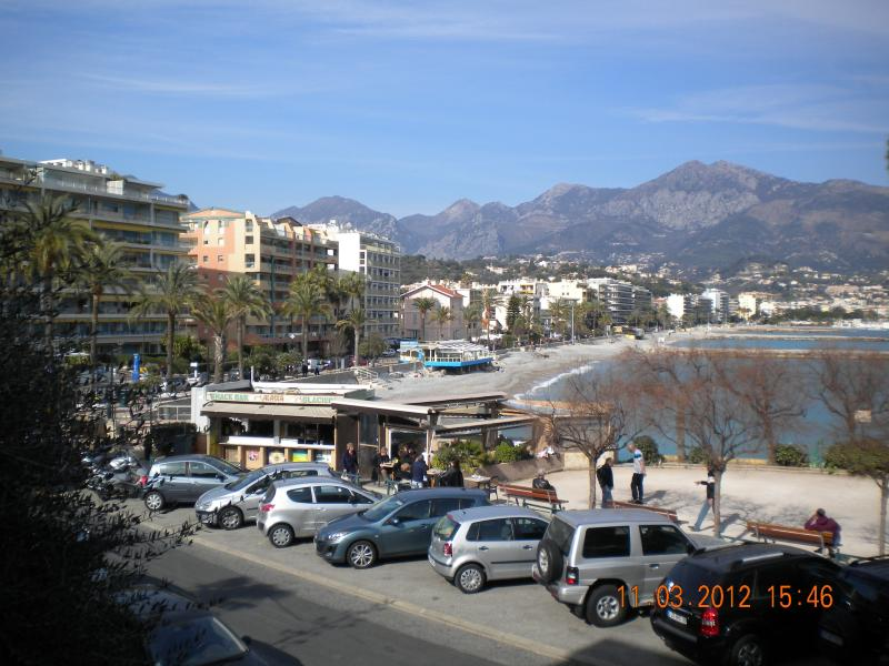Apartment sea front 4 guests, location de vacances à Roquebrune-Cap-Martin