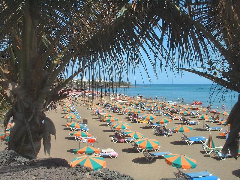 Large beach avenue