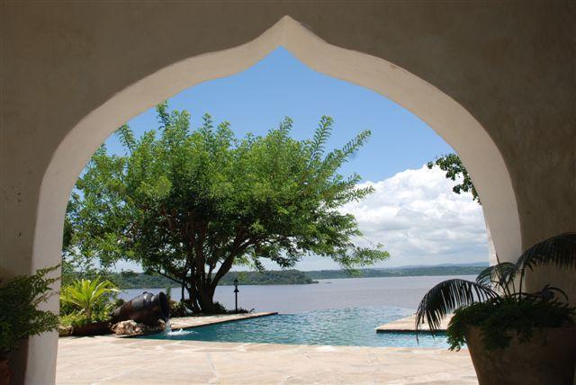 Infinity Pool at Villa Baumontia with views across Kilifi Creek