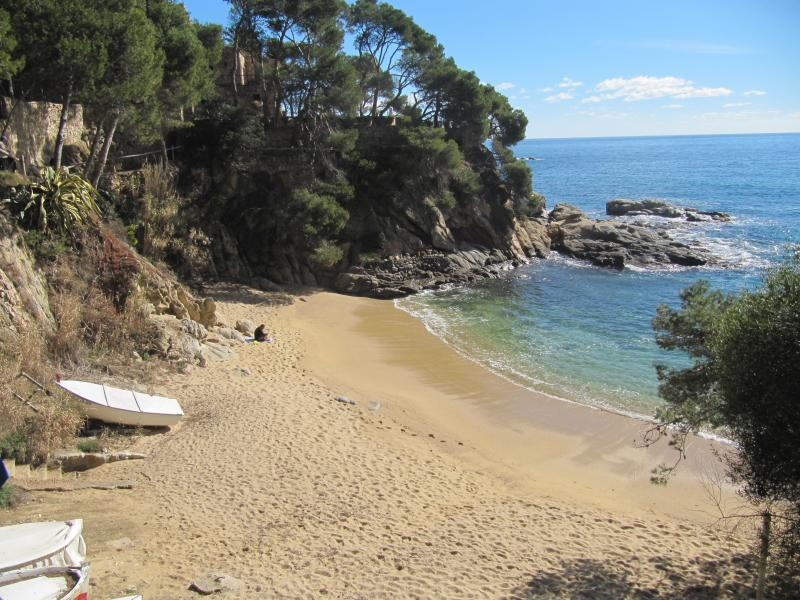Perfect location,quiet green place , Platja d'Aro Cala Rovira, vacation rental in Platja d'Aro