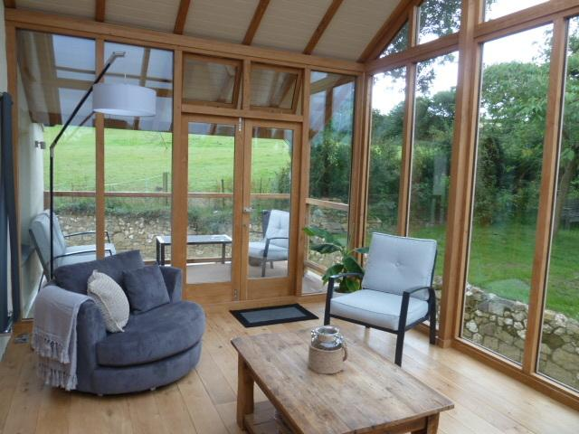 THE HOME BARN at CORNISH BARN HOLIDAYS, holiday rental in Come to Good