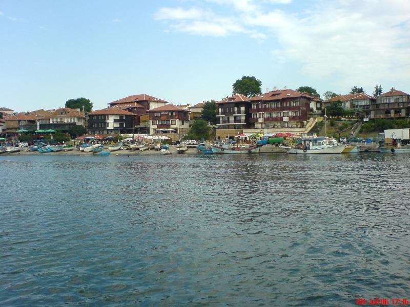 Aller à Nessebar en bateau