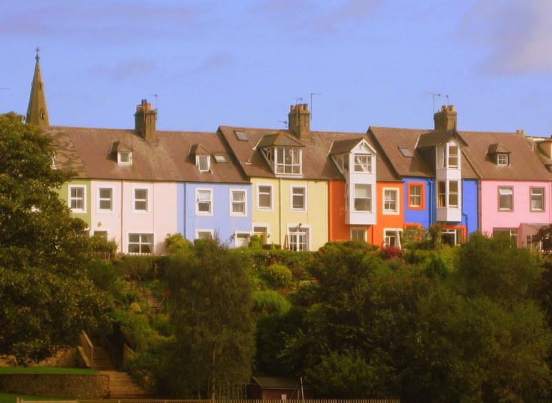 Alnmouth's famous painted houses