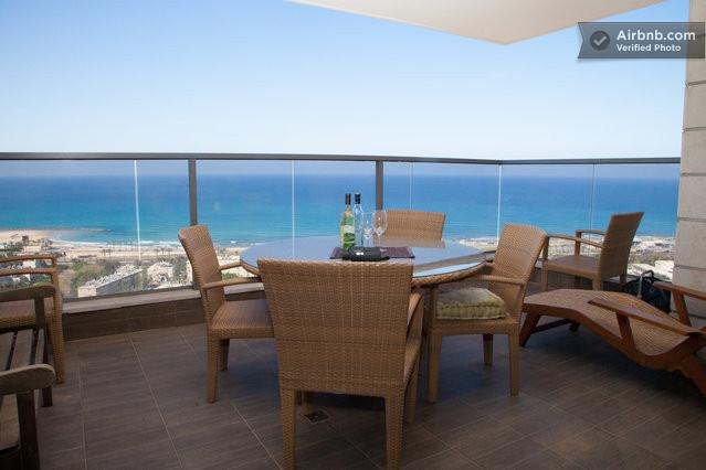 Haifa Holiday Room Close to the Beach, vacation rental in Hof Carmel