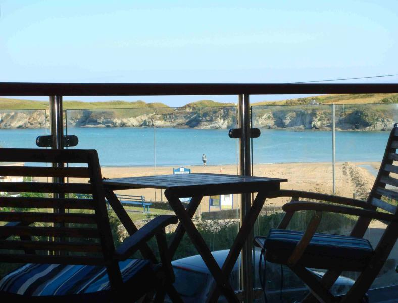 Porth Beach Retreat, holiday rental in Newquay
