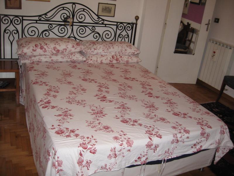 le lit confortable king size