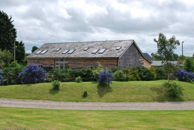 Welcome to the Oak Barns, Farndon - approximately 7 miles from Chester
