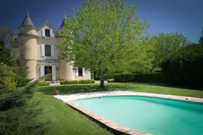 Enjoy Aquitaine/Dordogne gastronomy at family-friendly chateau with heated pool, vacation rental in Miramont-de-Guyenne