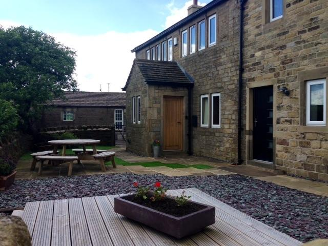 Ford Cottage Holmfirth private enclosed garden
