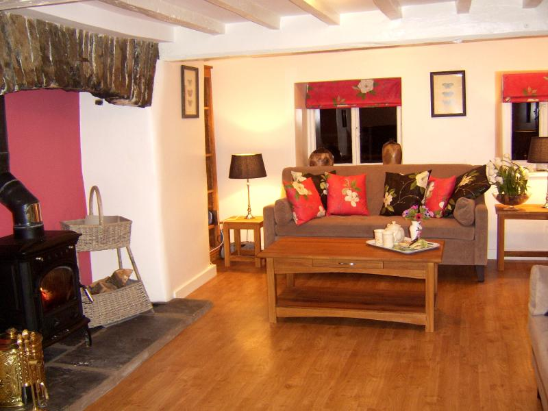 Spacious period lounge with log burner,flat screen TV Sky HD
