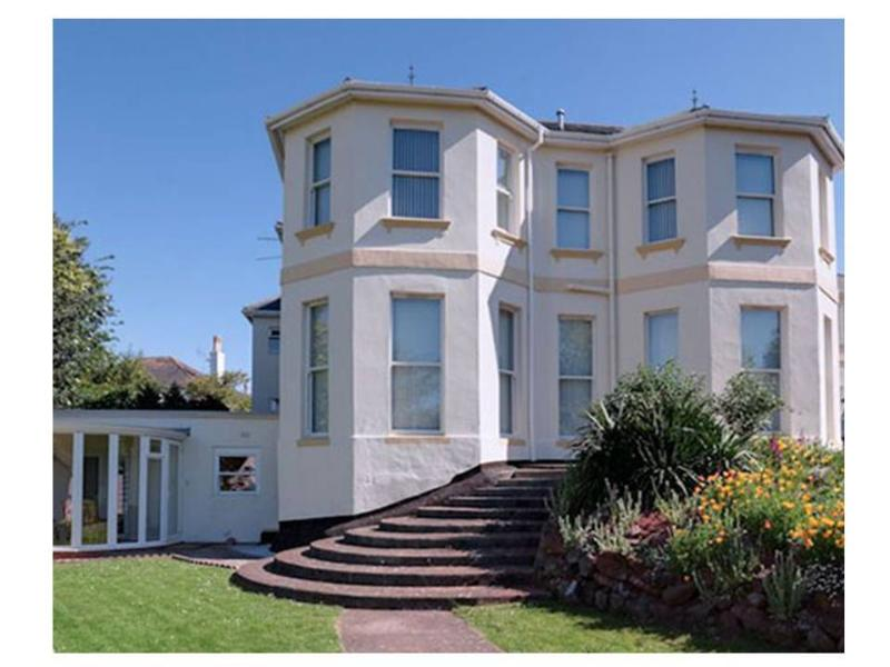 4 Carlton Manor     Roundham Road, holiday rental in Paignton
