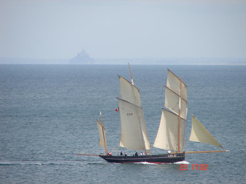 """The Cancalaise """"bisquine"""" which offers many outputs to St Malo and Chausey: embark quickly!"""