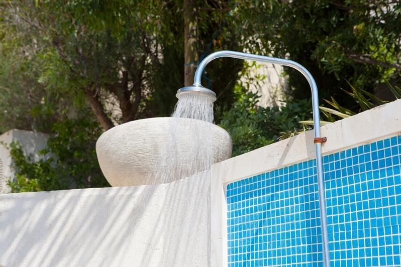 Ducha exterior para refrescarse