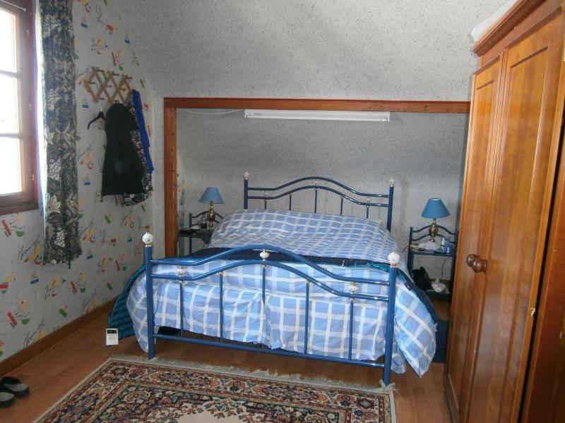 Master bedroom 20foot; window to side and street as you drive in to the cul-de-sac