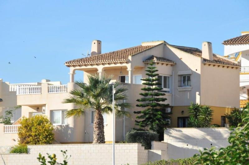LOS DOLSES 769, holiday rental in La Zenia