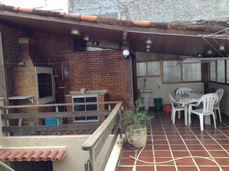 terrace (barbecue area)