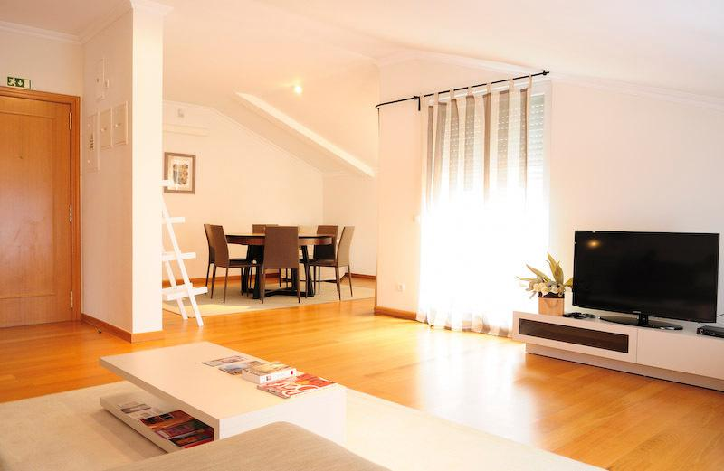 Lux3 Bedroom Ap with terrace, holiday rental in Lisbon