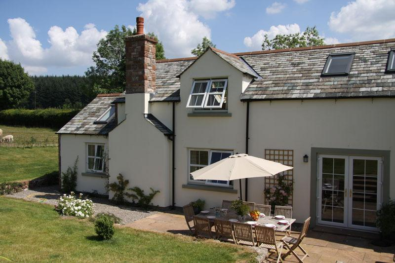 Mains Cottage: Converted Barn in Greystoke on the edge of the Lake District: Sleeps 10/12