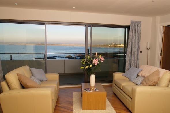 Lounge with panoramic sea view