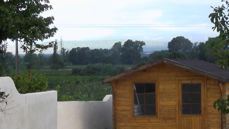 Vista do jardim e piscina-casa
