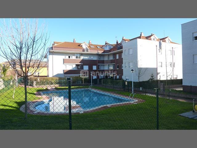 Bajo con jardín de 2 habitaciones, casa vacanza a Santillana del Mar