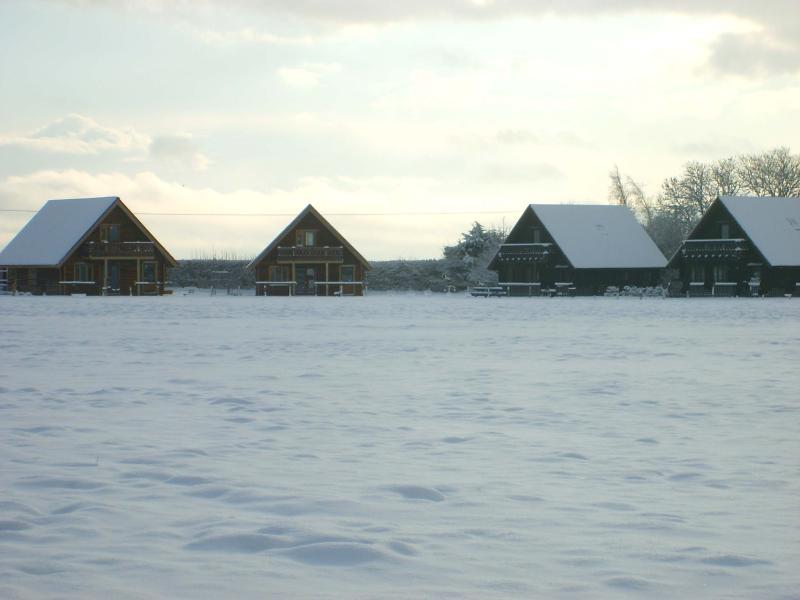 Chalets Duncliffe, Melbury, Hardy y Wessex durante un periodo de nevadas.