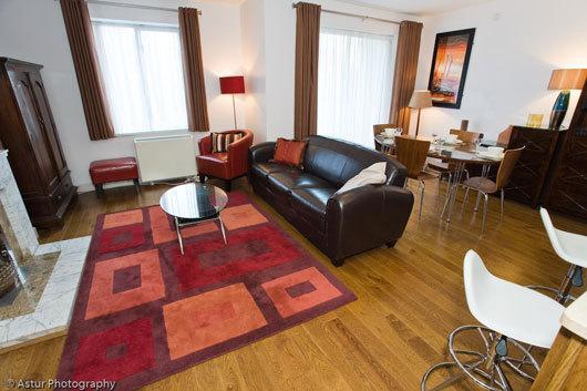 Cowper 415 Main Livingroom