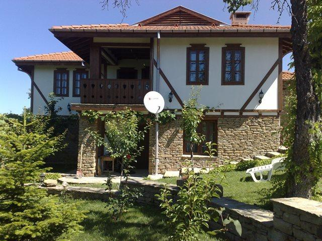 Holiday house near Tryavna, location de vacances à Vrabtsite