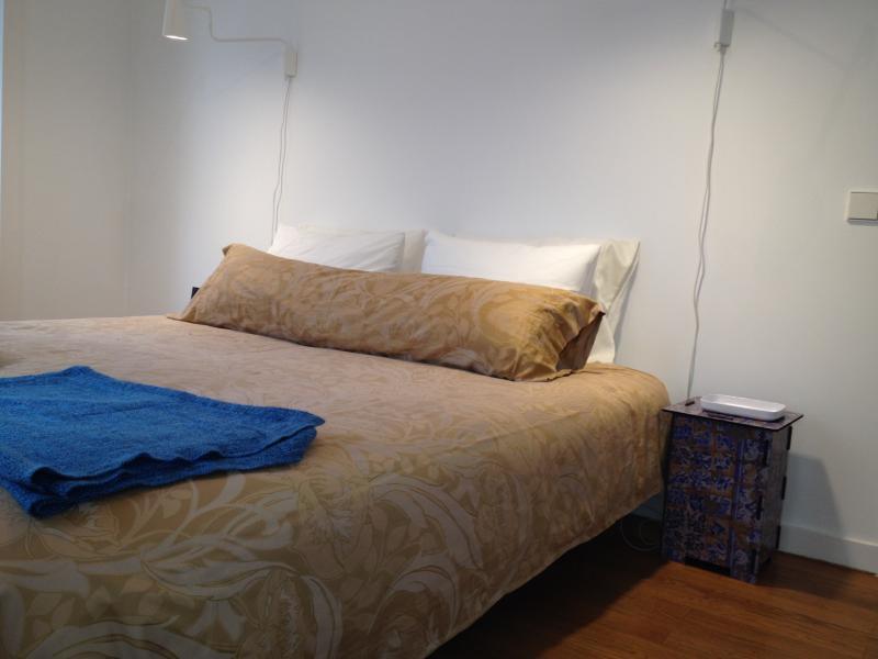 room in queensize bed