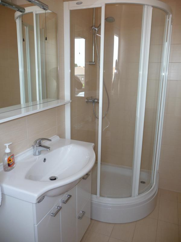 Ensuite off second double bedroom