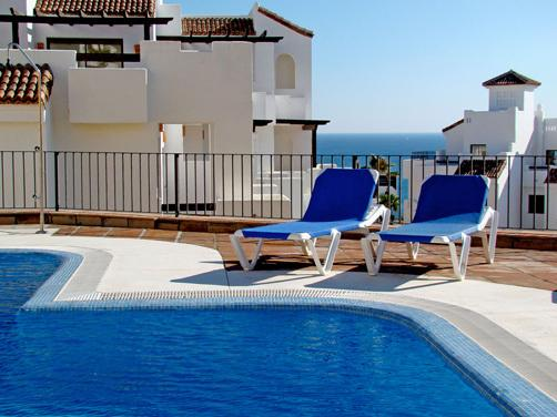 3 Bed Penthouse in Alcaidesa with ample terrace and fantastic views, holiday rental in Pueblo Nuevo de Guadiaro