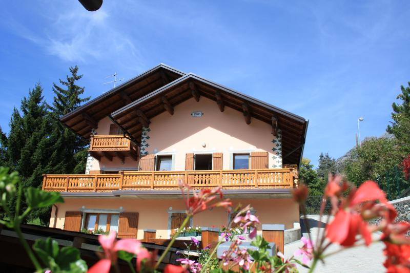 Chalet Terme Bormio - San Colombano, aluguéis de temporada em Province of Sondrio
