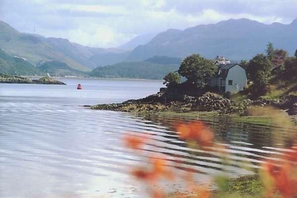 The Anchorage - right on the water's edge in Skye