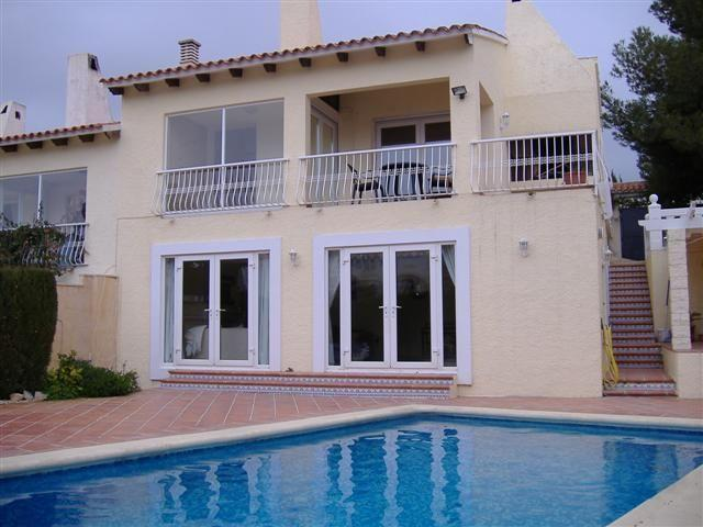 Villa sleeps 4 with private pool