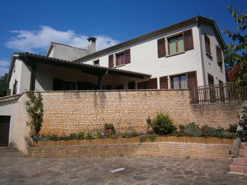 grande villa sud Ardèche, holiday rental in Saint-Sernin