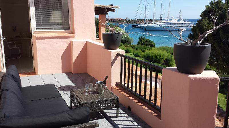 Porto Cervo Center Luxury Apartment, vacation rental in Arzachena