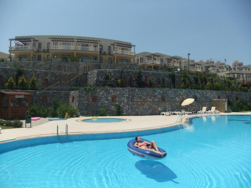 Bodrum Lakeside Apartment, casa vacanza a Dorttepe