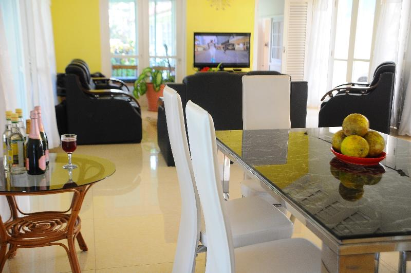State of Art Dinning Area One which has seating for 6 people total seating 16 people Cable TV/WiFi