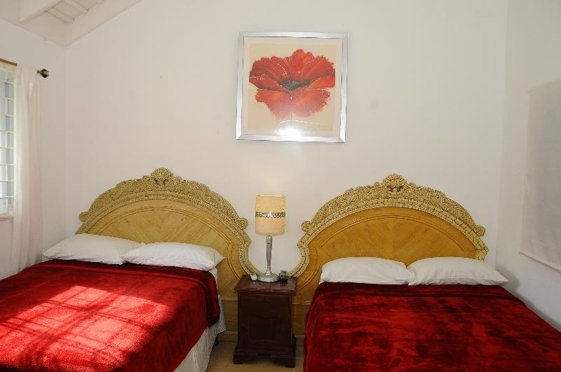 Bedroom number 3 with en suite Jacuzzi, bathroom/shower  Cable TV-WIFI/Air Con/Wardrobe Room/Safe