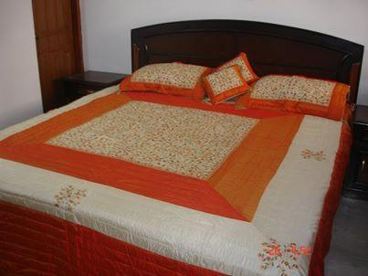 A Class 3 bed luxury apartment, vacation rental in Sahibabad